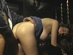 Seductive hairstylist bitch gorges huge cock