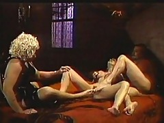 Foot play for three gorgeous blondes