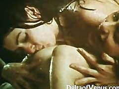 Vintage Lesbians 1970s - Young All-Natural Ladies Get Wet